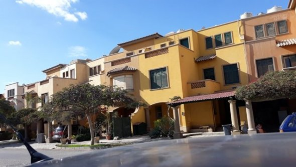 Townhouse villa for rent in compound palm hills
