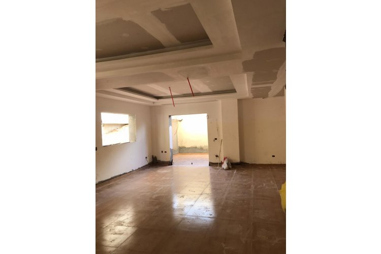 ground floor duplex with front and back gardens an