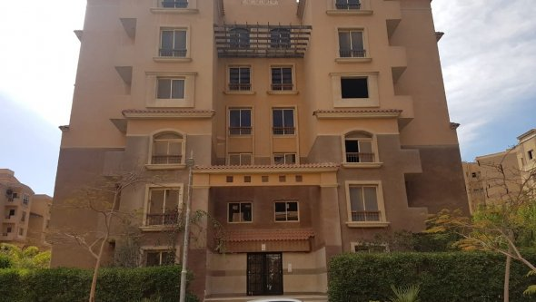 Apartment 85 M² For Sale in Italian Square, Cairo