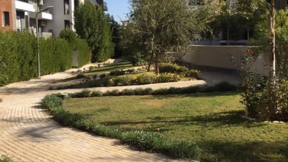 Ground floor with garden for rent in sheikh Zayed