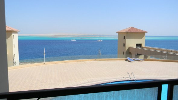 Full Sea & Pool View Studio in Hurghada, Red Sea / Hurghada