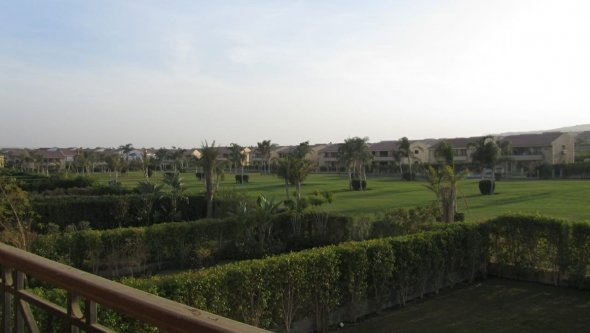 villa for rent furnished in compound Al Rabwa, Cairo