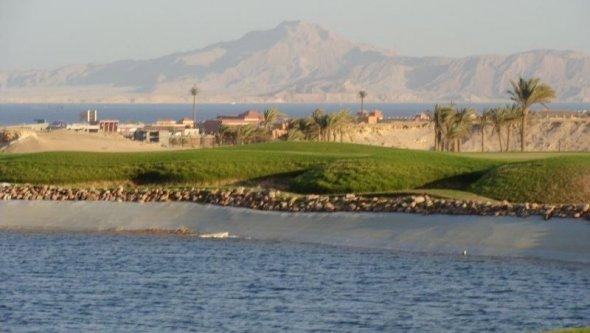 Sun! Sea! AND 18 Hole Golf Course!!! PRICE DROP!!!