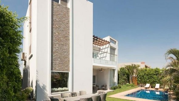 Modern villa with pool Beverly Hills Sheikh Zayed, Cairo