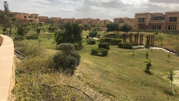 villa for sale in royal meadows sheikh zayed City, Cairo