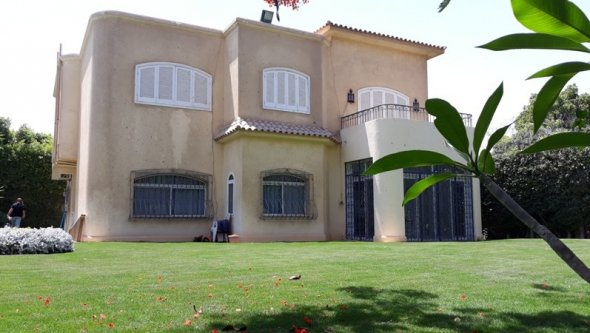 villa for rent with swimming pool at Sheikh Zayed, Cairo