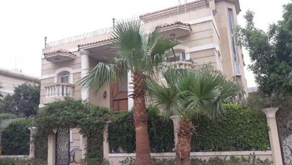 Villa for rent sand alone at 6 October city, Cairo