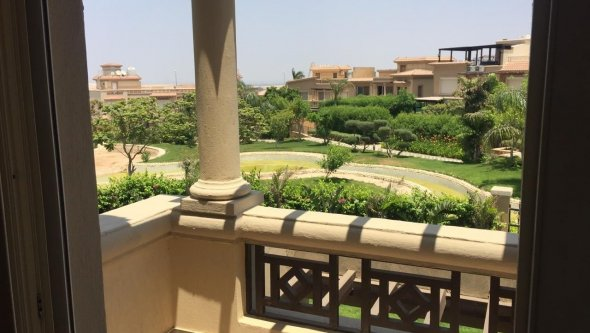 villa for rent with big garden in Sheikh Zayed