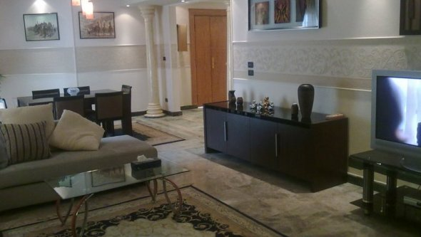 Apartment for rent ground floor in Beverly Hills, Qina