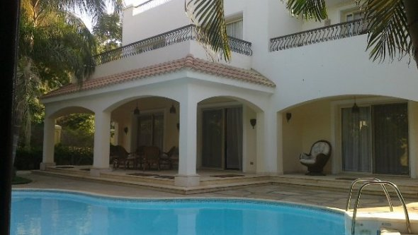 villa 4 rent in 6 October City with swimming pool, Cairo