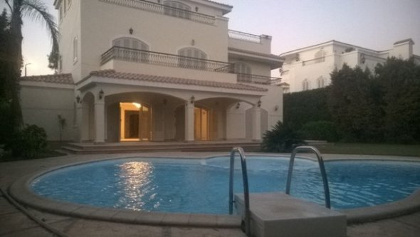 Rent villa with swimming pool at 6 October city, Cairo